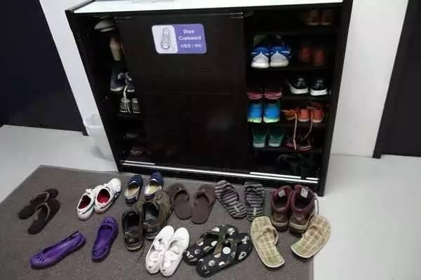 2. 大門至玄關位置鞋亂放